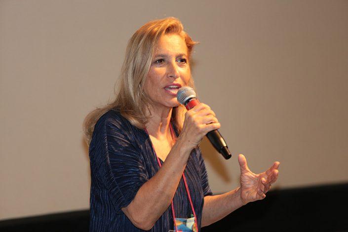 10.Immaginaria 2018. La cantautrice Grazia di Michele, madrina di Immaginaria, durante il suo saluto al Festival